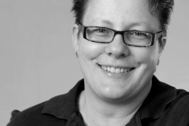 Dr. Janine Kreiss-Sender