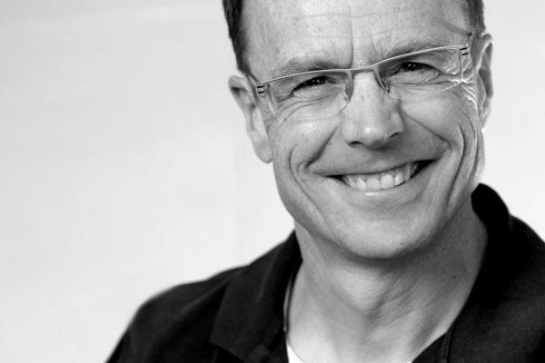Dr. Ralf Lorenz